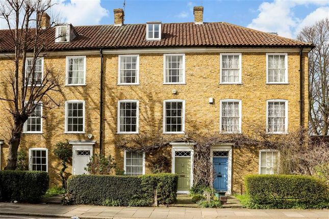 Thumbnail Property for sale in Canonbury Place, London