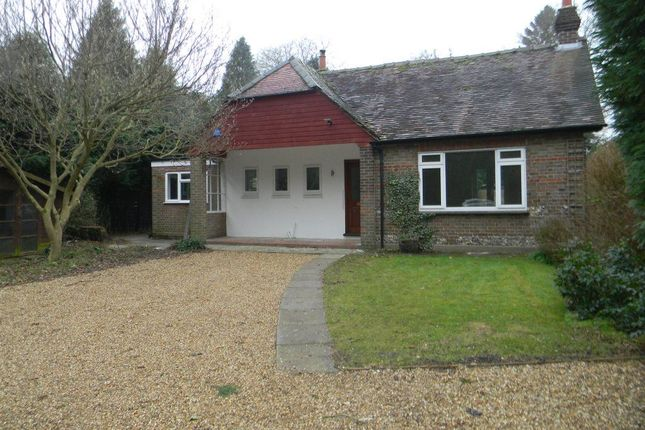Thumbnail Bungalow to rent in Barncroft Road, Berkhamsted