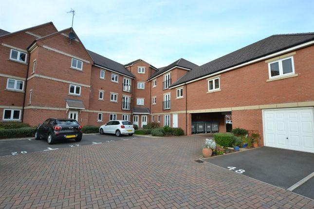Flat to rent in Marshall Crescent, Stourbridge