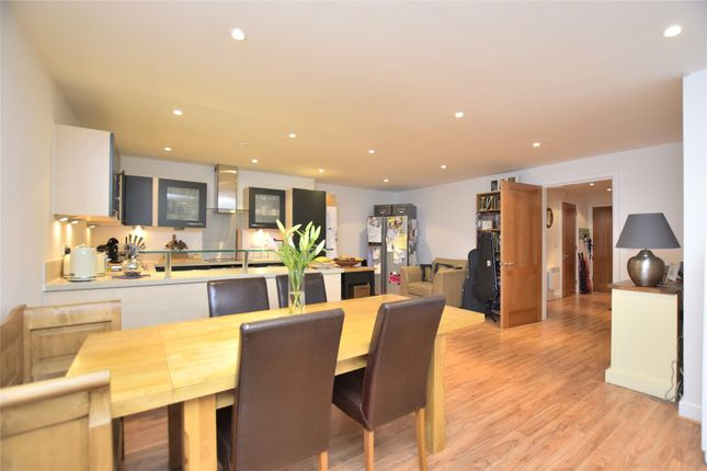 Thumbnail Flat for sale in North Contemporis, Clifton, Bristol