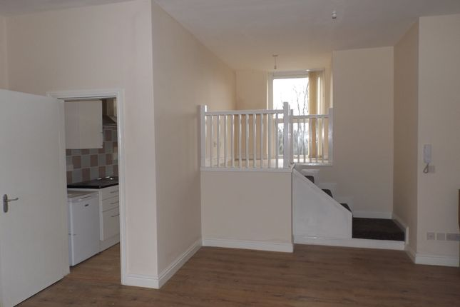 Thumbnail Flat to rent in Robson Street, Oldham