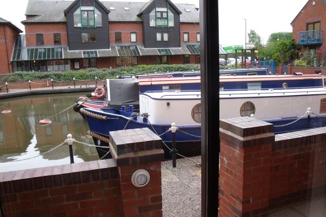 Thumbnail Flat to rent in Evans Croft, Fazeley, Tamworth, Staffordshire