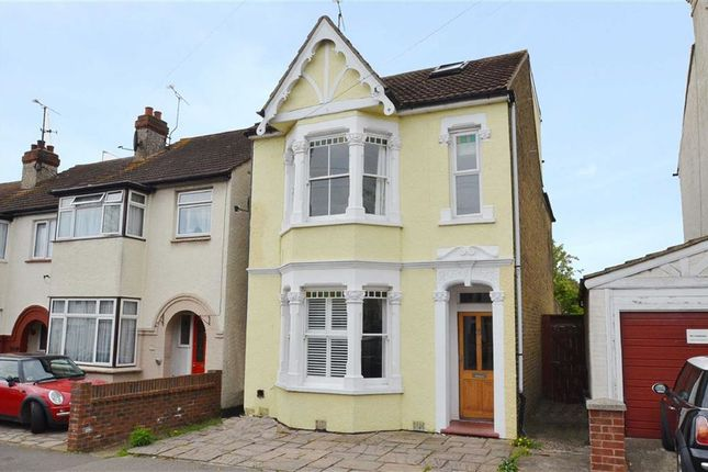 Thumbnail Property to rent in Southsea Avenue, Leigh-On-Sea, Essex