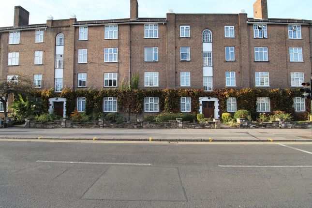 Thumbnail Flat to rent in Norbiton Hall, London Road, Kingston Upon Thames, Surrey