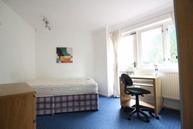 Thumbnail Property to rent in Bywater Place, London