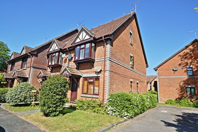 Thumbnail Semi-detached house to rent in Templecombe Mews, Oriental Road, Woking