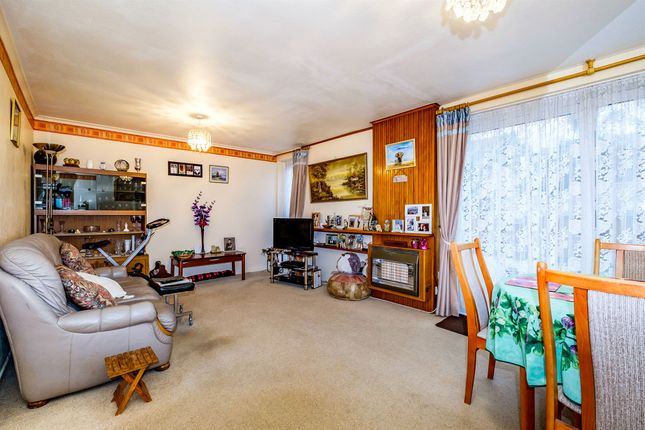 Thumbnail Terraced house for sale in Chippers Close, Worthing