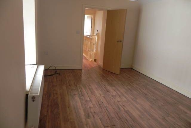 2 bed flat to rent in Carmarthen Road, Cwmdu, Swansea SA1
