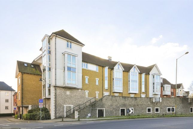 2 bed flat to rent in Creine Mill Lane North, Canterbury