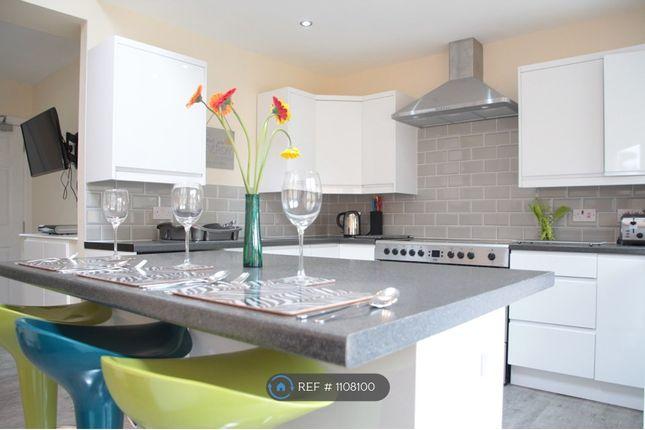 Room to rent in Oak Avenue, Owlsmoor, Sandhurst GU47