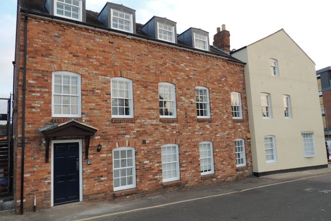 Flat to rent in Calthorpe Street, Banbury