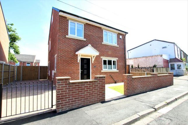 Thumbnail Detached house to rent in Wakefield Road, Drighlington