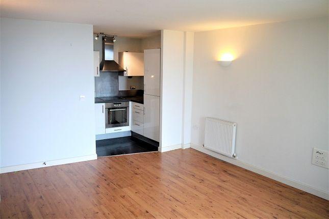 1 bed flat to rent in Mercury Gardens, Romford, Essex. RM1