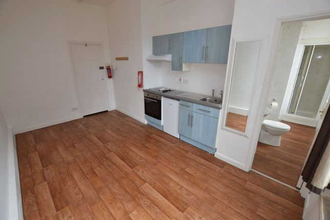 1 bed flat to rent in Flat, Monkswell House, Angel Place, Worcester WR1