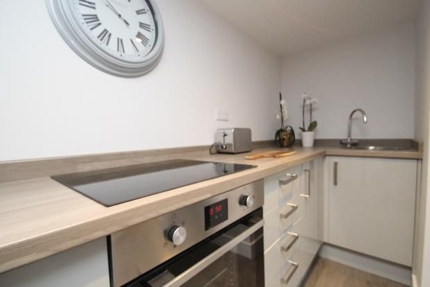 Thumbnail End terrace house to rent in Oak Street, Pudsey