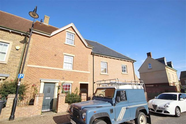 3 bed terraced house for sale in Ravensdale, East Wichel, Swindon, Wiltshire