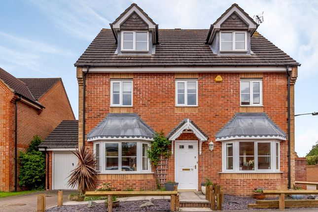 Thumbnail Detached house for sale in Royce Grove, Watford, Hertfordshire