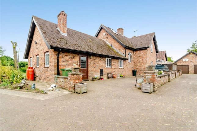 Thumbnail Detached house for sale in Hurn Road, Holbeach Hurn, Holbeach, Spalding, Lincolnshire