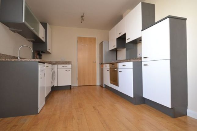 Thumbnail Flat to rent in Radnor Villa, Radnor Place, St Leonards, Exeter