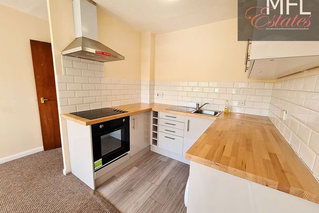 Thumbnail Flat for sale in Garlands Road, Redhill