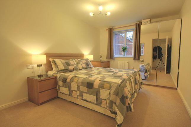 Bedroom of Avenue Heights, Basingstoke Road, Reading RG2