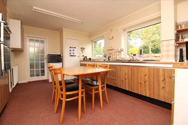 Kitchen of The Street, Holbrook, Suffolk IP9