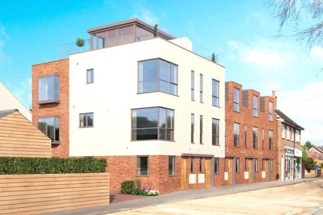 Thumbnail Terraced house for sale in Findon Road, Findon Valley, West Sussex