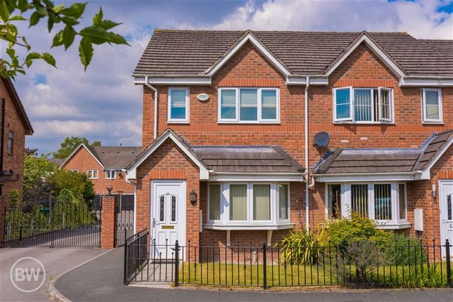 Thumbnail Town house to rent in Queens Avenue, Glazebury, Warrington
