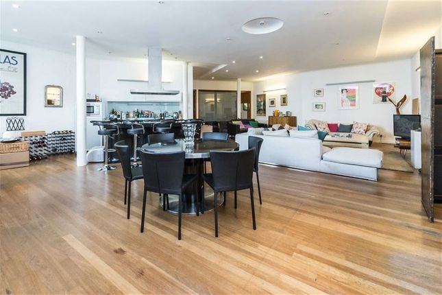 Thumbnail Flat for sale in Woodstock Grove, London