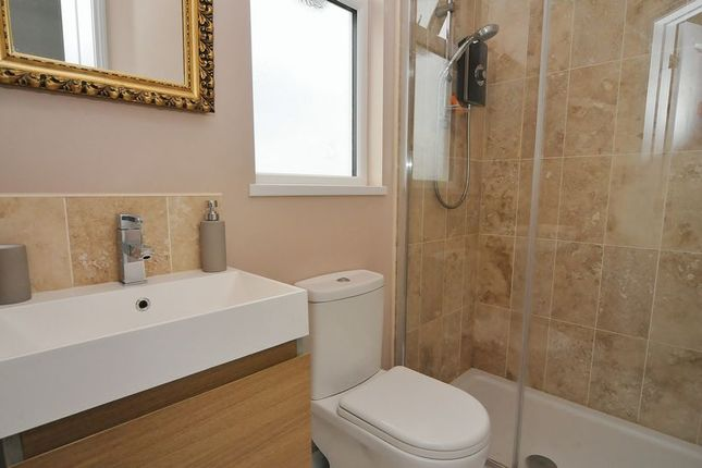 En Suite of South Down Road, Plymouth PL2