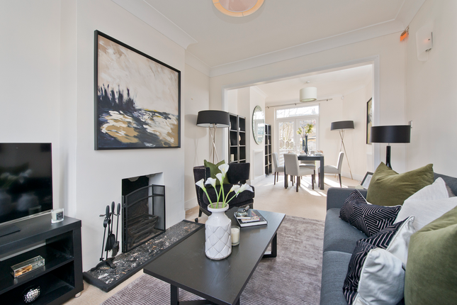3 bed terraced house for sale in Dupont Road, London