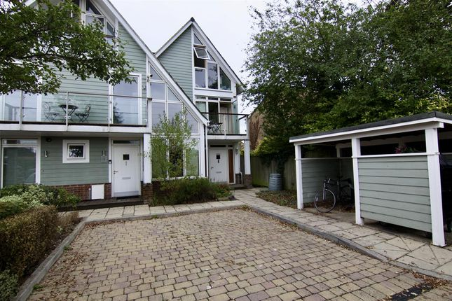 4 bed terraced house to rent in The Pavilions, Byfleet, West Byfleet KT14