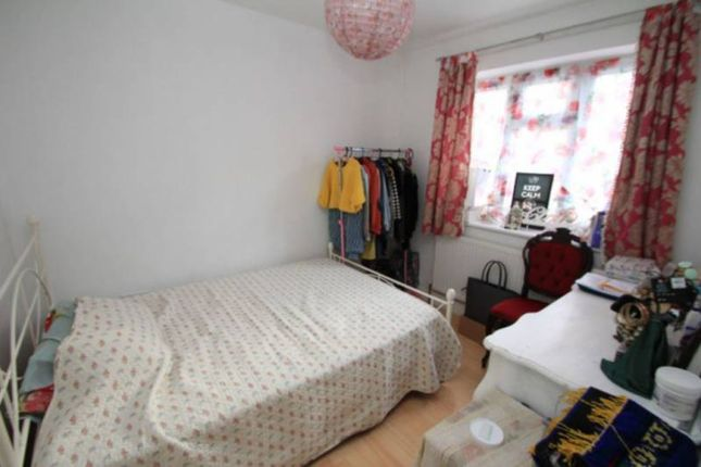 Thumbnail Room to rent in Philchurch Place, Brick Lane/Aldgate East