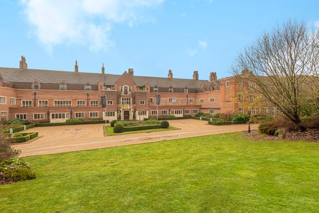 Thumbnail Flat for sale in King Edward VII Apartments, Kings Drive, Midhurst, West Sussex