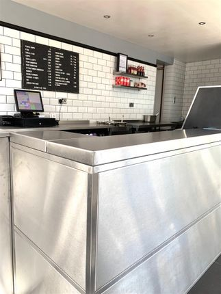 Leisure/hospitality for sale in Fish & Chips HD3, West Yorkshire