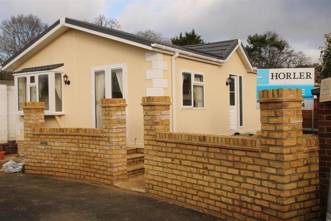 Mobile Park Home For Sale In Brownfield Gardens Maidenhead