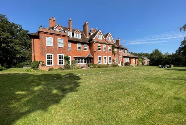 3 bed flat for sale in Netley Hill Estate, Southampton SO19