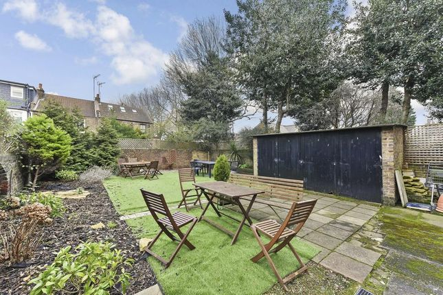Communal Garden of Fairfield Road, London E3