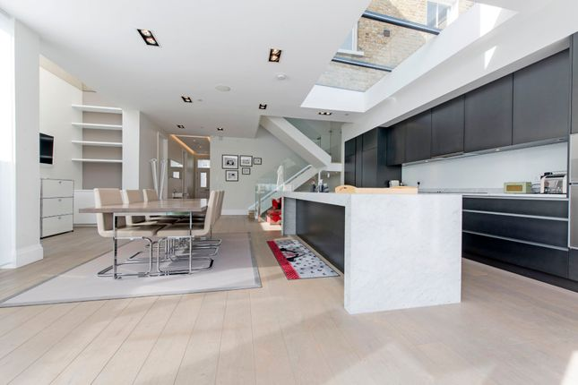Thumbnail Terraced house for sale in Devereux Road, Battersea, London