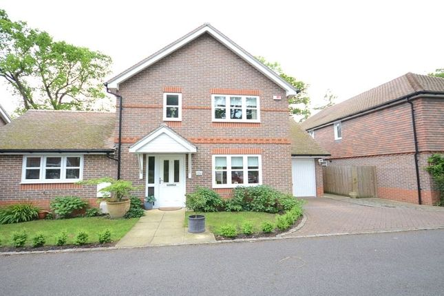 Thumbnail Detached house for sale in Wildwood Close, Woodley, Reading