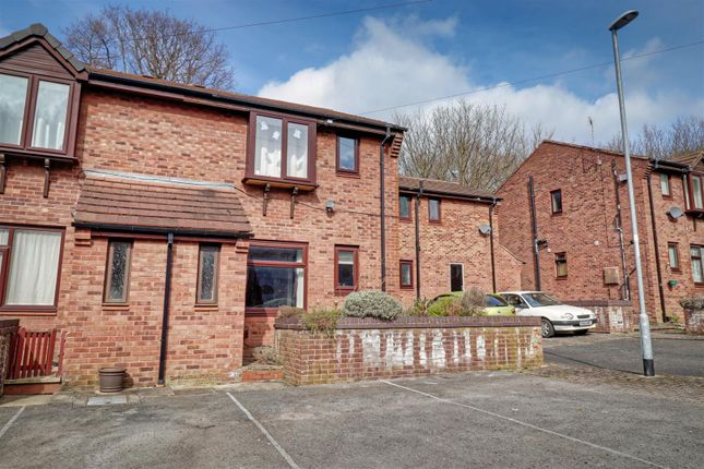 1 bed flat to rent in Walesby Court, Leeds LS16