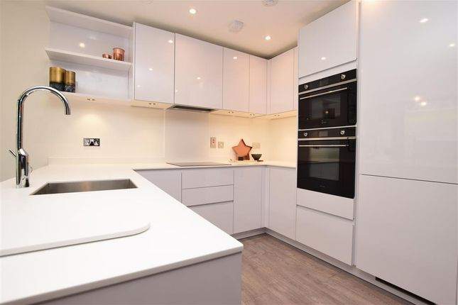 Thumbnail Flat for sale in Old Lodge Lane, Purley, Surrey