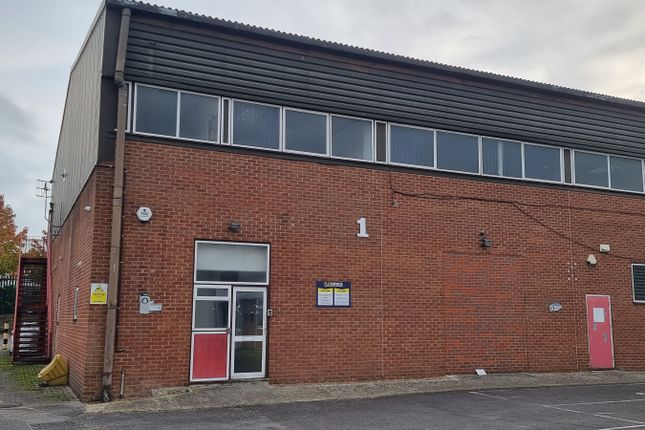 Thumbnail Office to let in First Floor Offices, Unit 1, Stanley Centre, Crawley