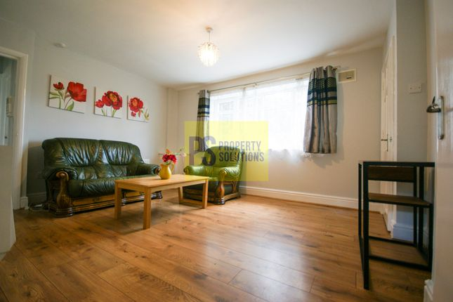 2 bed flat to rent in Heneage Place, Birmingham B7
