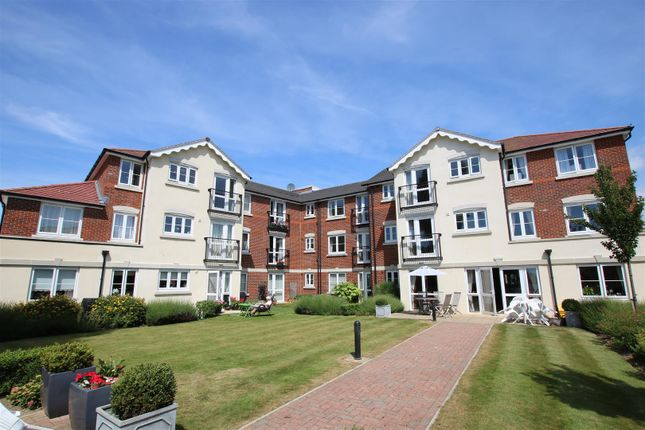 Thumbnail Flat for sale in Southey Road, Worthing