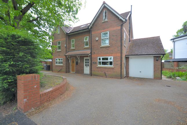 Thumbnail Semi-detached house to rent in Holly Road South, Wilmslow