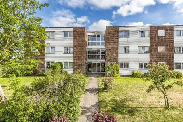 Thumbnail Flat for sale in Lessness Park, Belvedere