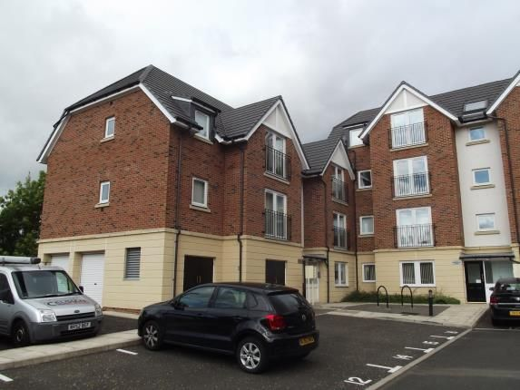 Thumbnail Flat for sale in Shepherds Court, Gilesgate, Durham