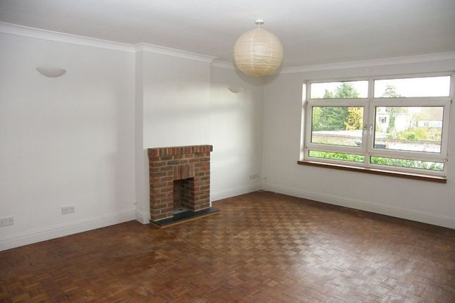 2 bed flat to rent in West End Court, West End Avenue, Pinner
