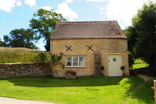 Thumbnail Cottage to rent in Middle Duntisbourne, Cirencester